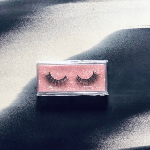 SOLD - 3D Mink False Lashes - BNIB